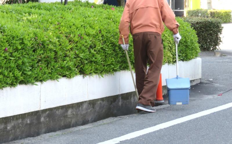 生垣の清掃
